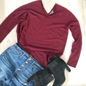 Sweaters - Vince Maroon V Neck Wool Sweater Size Small